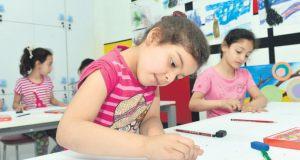 Merkezi İngiltere'de bulunan Muntada Aid ve Uluslararası Doktorlar Birliği (AID) iş birliği ile İstanbul'da Suriyeli çocuklara ve annelerine hizmet verecek bir psikososyal destek merkezi açıldı. (İslam Yakut - Anadolu Ajansı)